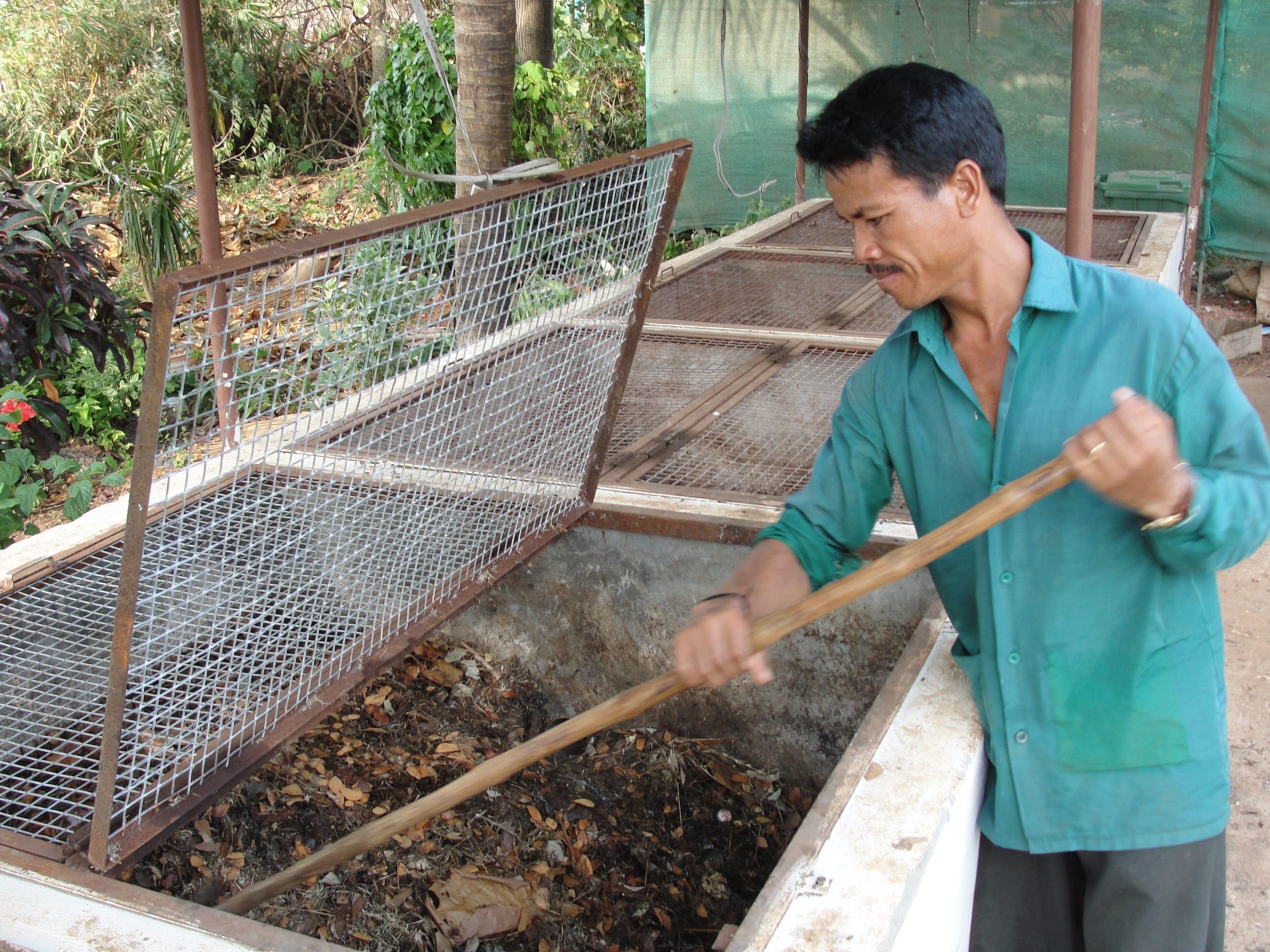 Composting Food waste-min